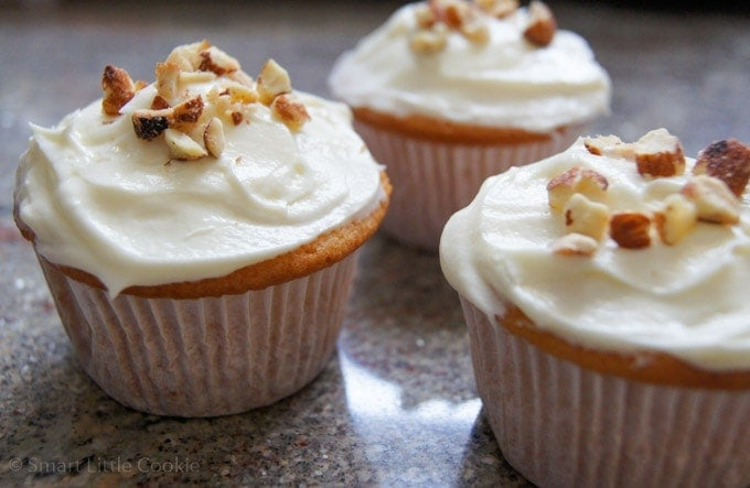 Almond Cupcakes | SmartLittleCookie.net