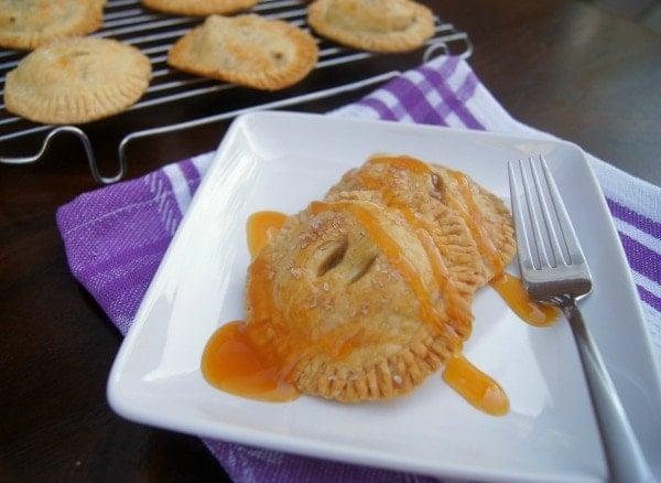 Dulce de Leche Hand Apple Pies | SmartLittleCookie.net