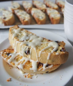 Cranberry and White Chocolate Biscotti | SmartLittleCookie.net