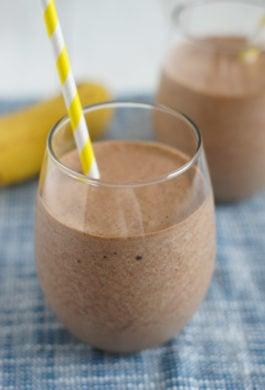 Banana Nutella Milkshake | SmartLittleCookie.net