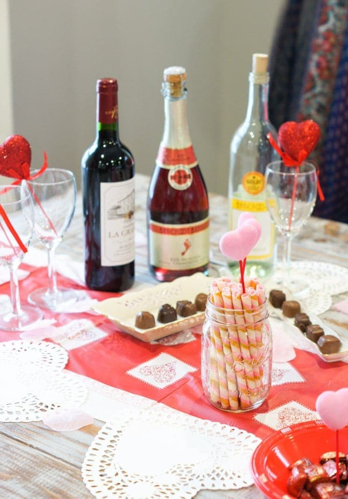 Valentine's Day Celebration on a Budget | SmartLittleCookie.net