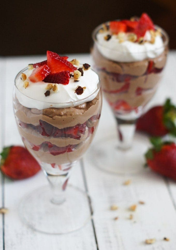 Strawberry Nutella Parfait | SmartLittleCookie.net