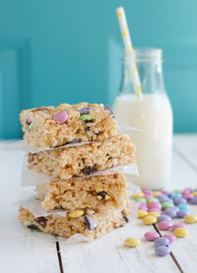 Rice Krispies Treats with M&M Chocolates | SmartLittleCookie.net