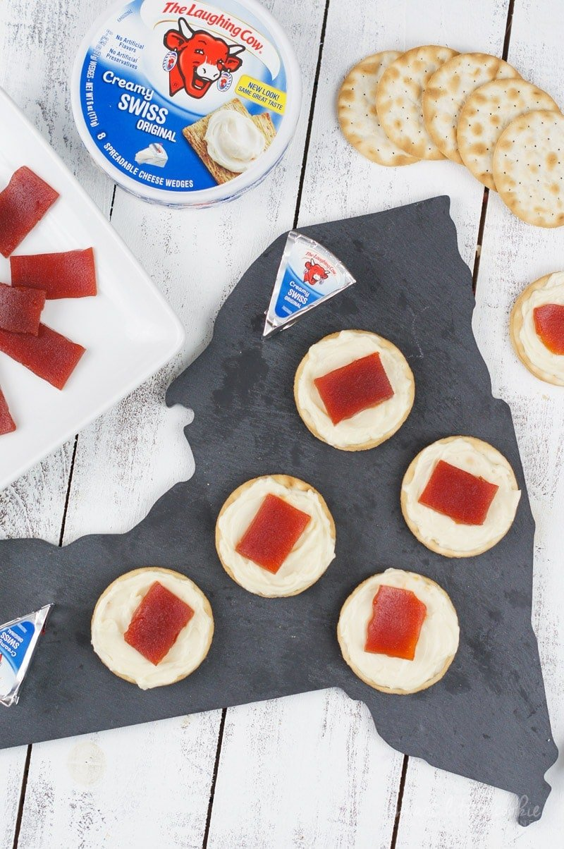 #ReinventSnacking with this cheesy and sweet snack that is also perfect to serve as an appetizer to your holiday guests.