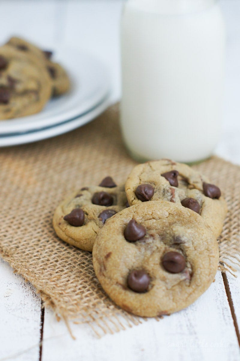 Soft Chocolate Chip Cookies | smartlittlecookie.net