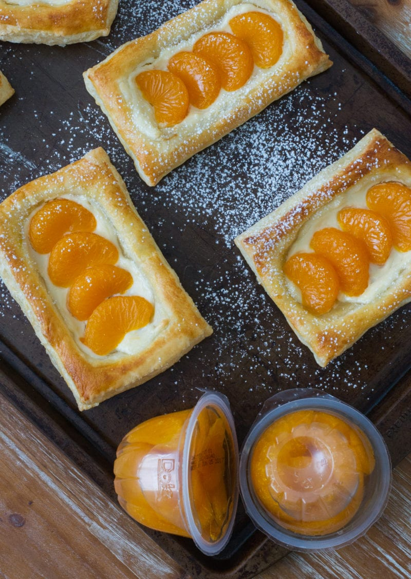 Delicious mandarin fruit and cheese pastries perfect for breakfast or dessert! Made quickly and easily using DOLE® Mandarin Fruit Bowls. #VidaDole #ad #snacks www.smartlittlecookie.net
