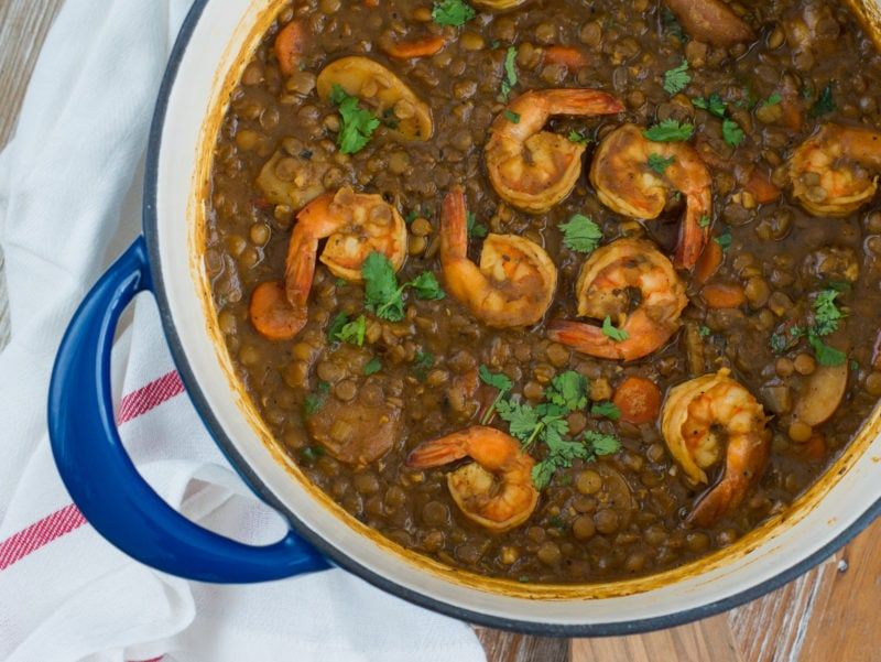 Seasoned with chicken bouillon, this hearty Shrimp and Lentils Stew is packed with flavor and filled with delicious shrimp, lentils, carrots, potatoes, celery, onions and garlic. The perfect meal for lent. #lent #ShrimpStew www.smartlittlecookie.net