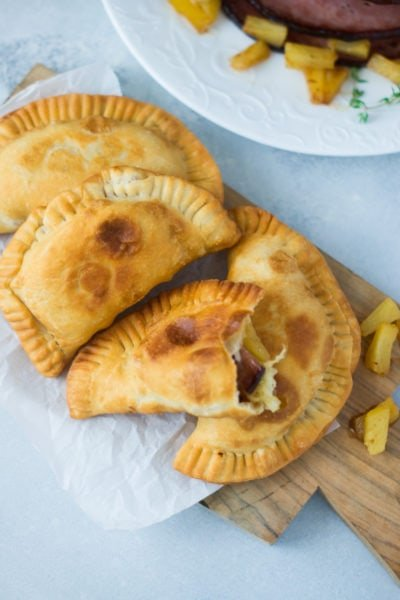 Glazed Ham and Pineapple Empanadas ~ A delicious appetizer or quick leftover dinner made with all the flavors of the holiday glazed ham. #ad #VidaDole