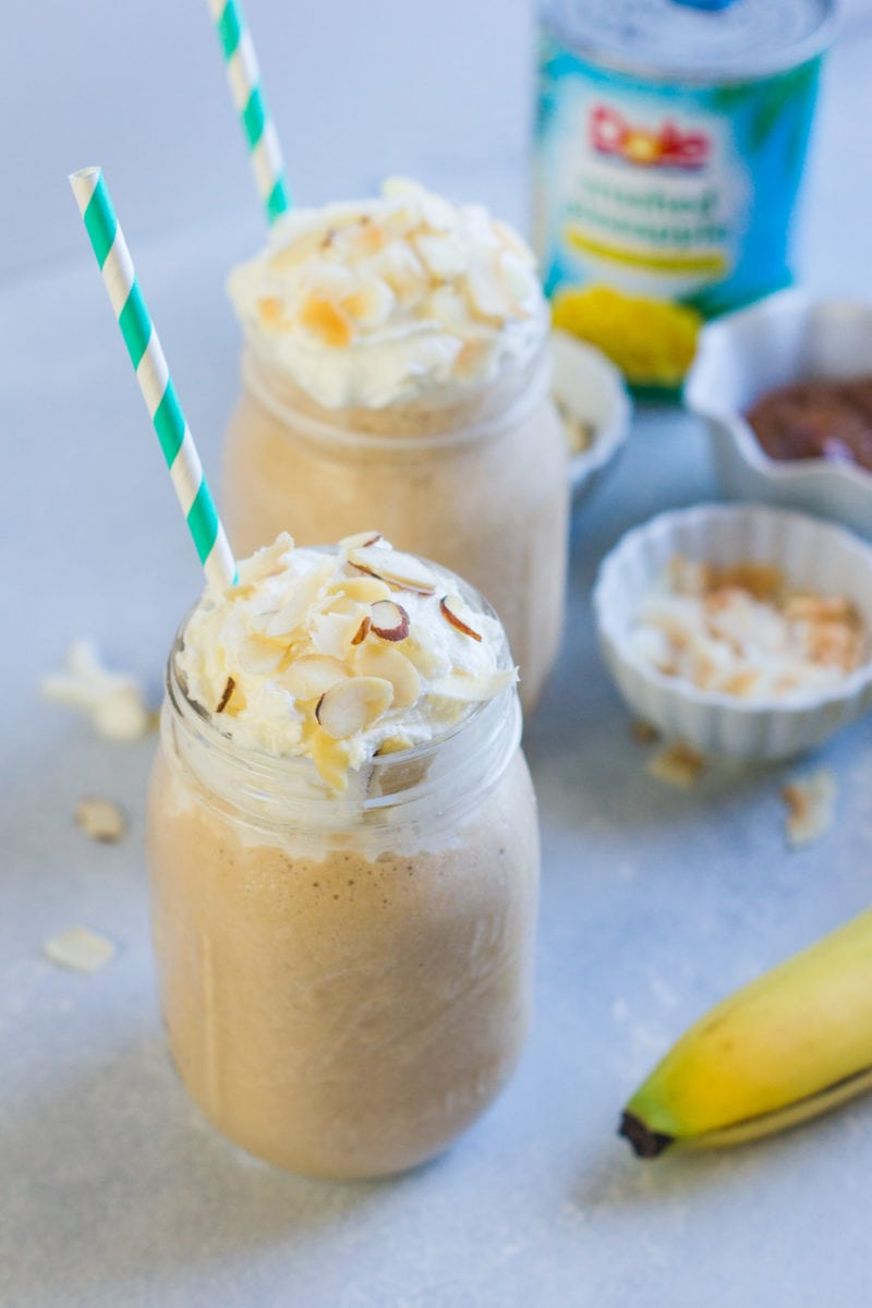 Piña Colada Dulce de Leche Smoothie ~ A refreshing tropical dessert smoothie inspired by the Piña Colada flavors that the entire family will love. #ad #VidaDole