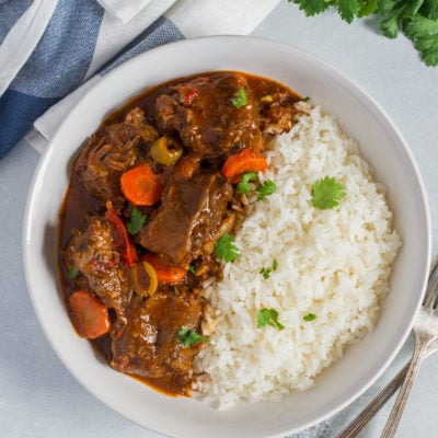 Rabo Encendido (Spicy Dominican Oxtail Stew)