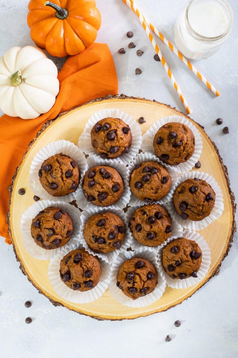 Toma de arriba de 12 muffins